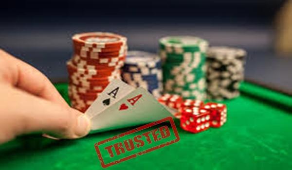 Tips Main Poker Online Terpercaya Supaya Untung Besar